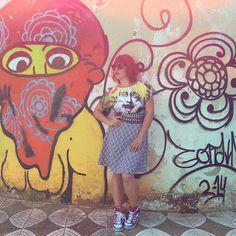 Em uma esquina qualquer! hairpink hair #pink styling style fotografia #photography adidas adidasoriginals tshirt skirt graffiti grafite sorocabasp