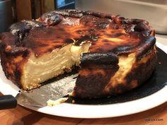 A világ második legjobb sajttortája: tarta de queso recept! Naan, Tiramisu, Cheesecake, Vegetarian, Sweets, Baking, Ethnic Recipes, Quesadillas, Quesadilla