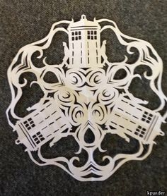 My girlfriend made this badass Doctor Who snowflake, and its beautiful Snowflake Template, Snowflake Pattern, Doctor Who Christmas, Doctor Who Funny, Doctor Who Craft, Modern Christmas Decor, Paper Snowflakes, Dr Who, Tardis