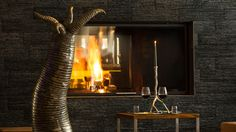 Lobbybereich mit Kamin Design Hotel, Superior Hotel, Snow Skiing, Modern, World, Home Decor, Cosy Room, Vacation, Trendy Tree