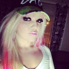 Pink hair n blonde what could be better lol yeah right I had the pink in for like 2 days and took it out lol