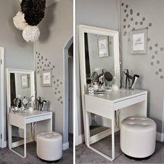 Michelle - Blog #Vanity #Station from #Ikea  Fonte : http://www.loveandlaceblog.com/2014/02/hello-beautiful-my-ikea-dressing-area.html