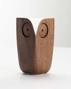 Owl Walnut Green - Matt Pugh Design - Accessorize your Home. Wooden Owl, Wooden Animals, Wood Projects, Woodworking Projects, Wood Toys, Wood Sculpture, Wood Turning, Wood Art, Wood Crafts