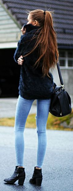 Shades Of Blue Cozy Sweater Winter Outfit