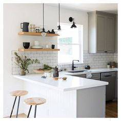 If you are looking for Apartment Kitchen Design Ideas, You come to the right place. Below are the Apartment Kitchen Design Ideas. This post about Apartment . Kitchen Layout, Kitchen Renovation, Home Decor Kitchen, Rustic Kitchen, Kitchen Remodel, Kitchen Design Small, Minimalist Kitchen, Kitchen Interior, Small Modern Kitchens