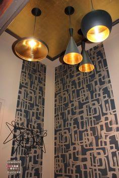 Rénovation et décoration d'un appartement au Légué... Février 2016, décoration élégante, suspension Tom Dixon, plafond doré, feuille d'or