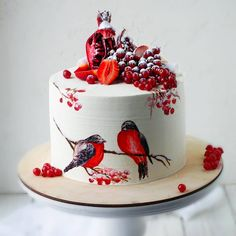 🤔 Christmas art decoration❤🍰 Do you like birds? Red color😍😻 - Start to bake… Christmas Cake Designs, Christmas Desserts, Christmas Baking, Christmas Art, Christmas Wedding, Pretty Cakes, Beautiful Cakes, Amazing Cakes, Beautiful Cake Designs