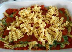 Pastaschotel met spinazie, ricotta en mozarella
