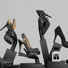 "idea and another way to recycle part of the old mannequins, ""shoes, piece of … - New Deko Sites Shoe Store Design, Shoe Shop, Shoe Display, Display Design, Shop Interior Design, Retail Design, Vitrine Design, Shoe Hanger, Decoration Evenementielle"