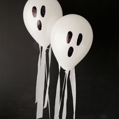 Halloween Balloon Week continues on Design Improvised with these spooky flying ghost balloons!