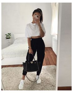 casual summer fashion you will definitely 3 Basic Outfits, Sporty Outfits, Mode Outfits, Stylish Outfits, Girl Outfits, Teenager Outfits, Urban Outfits, Cute Comfy Outfits, Pretty Outfits