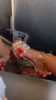 Shoes Gif, All Fashion, Fashion Killa, Shoe Game, Girly Things, Stiletto Heels, Cool Style, Slippers, Footwear