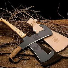 Woodman's Pal Knife http://buymanthings.com/woodmans-pal-fixed-blade-knife/