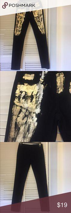 Unique Black and Gold Skinny Jeans Very cool and unique black pants with gold foil paint on the front. Pants are practically brand new, no signs of wear. Material is very soft and has some stretch. These pants are a great statement piece! 🌟Open to reasonable offers!🌟 Makers Pants Skinny