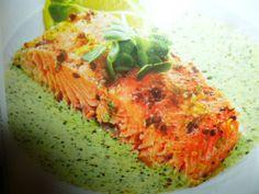 filetti di salmone al forno - un secondo goloso preparato con filetti di salmone cotti al forno e serviti con una crema di crescione