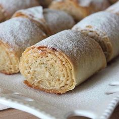 It& so simple, but it& a sweet dessert that eats its taste. Easy Cake Recipes, Sweet Recipes, Dessert Recipes, Sweet Desserts, Delicious Desserts, Yummy Food, Most Delicious Recipe, Food Words, Turkish Recipes