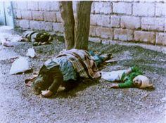 Ofiary ataku gazowego na Halabdżę, w którym zginęło ok. 5 tys. Kurdów. Od czasu Holocaustu był to pierwszy i dotąd jedyny przypadek użycia broni chemicznej przeciw cywilom na taką skalę. Wróciliśmy miesiąc później pochować zmarłych - opowiadał przed laty reporterowi