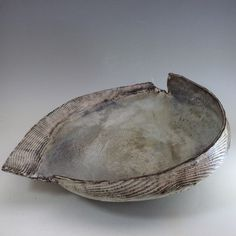 'Ripple Shell I'-Ceramic shell vessels work that is inspired by the sea.
