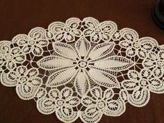 Handicrafts with lacing,pune dore me gajtan,pune dore me grep,crochet,hand… Filet Crochet, Irish Crochet, Macrame Patterns, Lace Patterns, Crochet Patterns, Crochet Tablecloth, Crochet Doilies, Crochet Flowers, Hand Embroidery Stitches