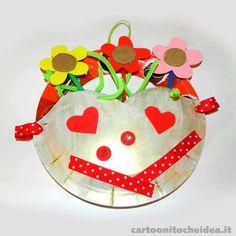 Ogni giorno è la festa della mamma! Approfittiamone per farle un bel regalino colorato con pochi materiali di recupero!