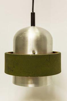 ... met groene losse band die van de kap afstaat. Interieur van de groene
