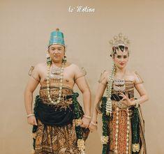 Le Motion Photo: Kania & Restama Javanese Wedding at Puri Begawan Bogor Got Married, Getting Married, Javanese Wedding, Bogor, Wedding Preparation, Kebaya, Fashion Studio, Wedding Things, Wedding Inspiration
