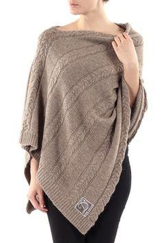 Alpaca poncho (beige) - Dehn design Alpaca, Comfy, Pullover, Brown, Winter, Sweaters, Clothes, Fashion, Stretching