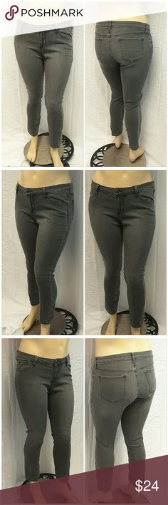"""40% BUNDLE DISCOUNT! FREE SHIPPING ON BUNDLES!! *Plus* OLD NAVY ROCKSTAR Denim Skinny Jeans, size 16 See Measurements, lightweight stretchy material, machine washable, 75% cotton, 23% polyester, 2% spandex, approximate measurements: 19"""" waist laying flat, 29"""" inseam, 3.5"""" zipper, 9"""" rise. ADD TO A BUNDLE! 40% BUNDLE DISCOUNT! FREE SHIPPING ON BUNDLES!! ?OFFER? $6 LESS ON BUNDLES! Only ?offers? of $6 less on Bundles for shipping reimbursement. Old Navy Jeans Skinny"""