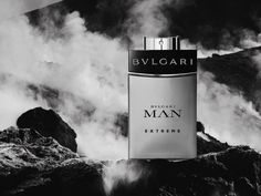 BVLGARI MEN ESSENCE | With its unique and vibrant construction, Bulgari Man Extreme is a new expression of modern charisma. A fragrance that melds intense and long-lasting Mediterranean freshness with sophisticated woodiness.