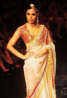India Bridal Fashion Week 2013: Rina Dhaka #saree #sari #blouse #indian #outfit  #shaadi #bridal #fashion #style #desi #designer #wedding #gorgeous #beautiful