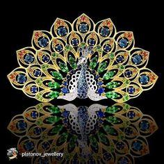A peacock to ruffle your tail feathers my darlings Repost from @platonov_jewellery  #wantneeddesirecovet #mrsortonsjewelporninstaglam #sparkaliciousfabulosity #jewelgasms #jewelleryporn #jewelleryaddicted #drooltastic #droolstagram #peacocks @mrs_orton #pintastic #pinmedown