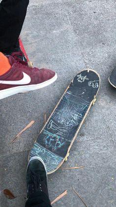 Skate Outfits, Skateboard Grip, Drunk Friends, Big Shark, Skate Style, Skater Girls, My Vibe, Teenage Dream, Skates