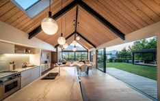 Mason & Wales Architects - Portfolio and Gallery of selected Residential, House Projects throughout New Zealand Modern Barn House, Modern House Design, Barn House Design, Barn Style Houses, Barn House Plans, Garage Design, Exterior Design, Shed Homes, Küchen Design