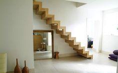 La combinazione vincente: pareti bianche e scale in legno - Ideare casa