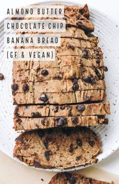 Almond Butter Chocolate Chip Banana Bread (Vegan & GF) This recipe is gluten free, vegan, dairy free, and so darn delicious. Banana Bread Gf, Gluten Free Banana Bread, Healthy Banana Bread, Chocolate Chip Banana Bread, Banana Bread Recipes, Chocolate Food, Chocolate Chips, Best Nutrition Food, Biscuits