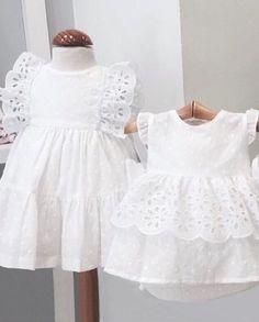 Preciosos vestiditos de @estela_ayn ❤❤•••Si te gusta déjanos un comentario, nos importa!! Gracias!! #modaespañola #modainfantil #ropaespañola #ropainfantil #hechoenespaña #madeinspain #modaespaña #kidsstyle #niñasconestilo #spain #modainfantilchic #kidsfashion #spanishbrand #cutekidsfashion #fashionkids #baby #babygirl #sweetbaby #babyfashion #childrensfashion #cutekidsclub #instababy #littlebaby #modainfantilespañola #modainfantilmadeinspain