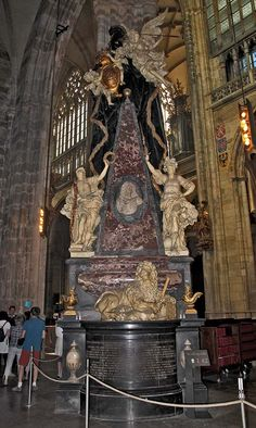 The Tomb of Count Leopold Slik(1723)sculptor-M.B.BRAUN,architect-FR.M.KANKA,(Prague-St Vitus cathedral)