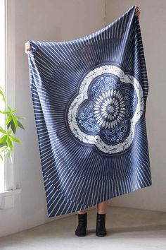 Neela Tapestry Throw - Urban Outfitters