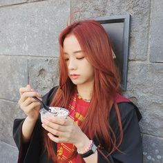 Red brown hair color - Blackpink braun 6 Trendy K-Pop Inspired Hair Colors for Summer 2019 - CodiPOP Blackpink Jisoo, Kim Jennie, K Pop, Kpop Hair Color, Red Hair Kpop Girl, Korea Hair Color, Korean Girl, Asian Girl, Red Brown Hair Color