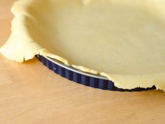 A recipe for Pennsylvania Dutch Pie Crust made with flour, salt, shortening, water, egg Amish Pie Crust Recipe, Pie Crust Recipes, Pie Crusts, Mini Pie Recipes, Amish Recipes, Cooking Recipes, Vinegar Pie, Pennsylvania Dutch Recipes, Healthy Popsicles