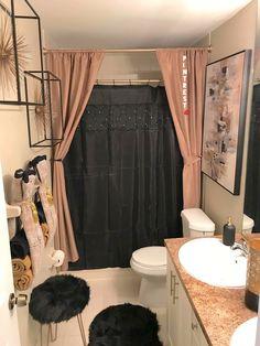 30 smart small apartment decorating ideas on a budget 00003 bathroom design bathroom ideas remodel ideas paint bathroom ideas First Apartment Decorating, Apartment Ideas, Apartment Chic, Decorating Bathrooms, My New Room, Small Apartments, House Design, Condo Design, Interior Design