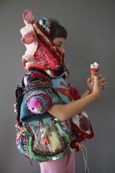 "Diary: ""Je grandis enfantin"" Plus Art Fibres Textiles, Textile Fiber Art, Sculpture Textile, Art Sculpture, Wire Sculptures, Abstract Sculpture, Bronze Sculpture, Fashion Moda, Fashion Art"