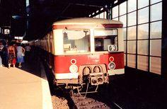 Auf dem Weg nach Mahlsdorf,Jannowitzbruecke 70er Jahre East Germany, Berlin Germany, Berlin Hauptstadt, Bahn Berlin, S Bahn, Berlin Wall, Public Transport, Trains, Transportation