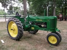 """John Deere late styled B. In 1947 the row crop styled tractors received some updates, including a cushion seat for the A's, B's and G's; and stamped steel frames for the A's and B's. These are referred to as """"late"""" styled models, and they were produced from 1947-1952 (G's were built until 1953)"""