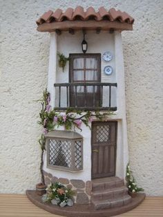 1000 images about tejas decoradas on pinterest roof for Puertas de tejas decoradas