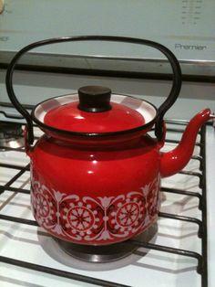 FINEL KETTLE/TEAPOT designed by KAJ FRANCK (1911-1989) Teapot Design, Inspiration Boards, Teapots, Kettle, Finland, Tea Pot, Boiler