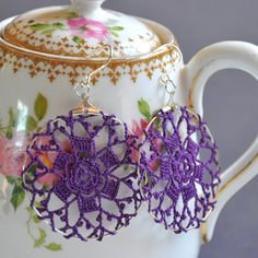 this is adorable and such a great idea!... I also love the teapot in the photo <3