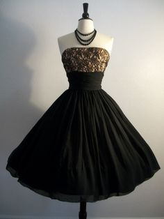 Love. Simply love. Someone please help me find this ddress, need it for a October wedding!!! Help!