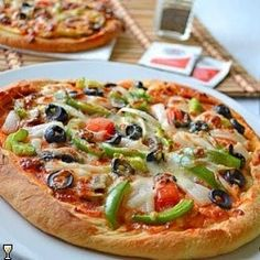 Home Made Pizza~Veggie Lovers'