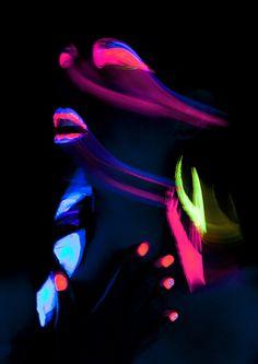 Neon lights #coolglow #glowart